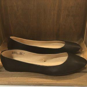 NWT Size 8.5 black flats women's